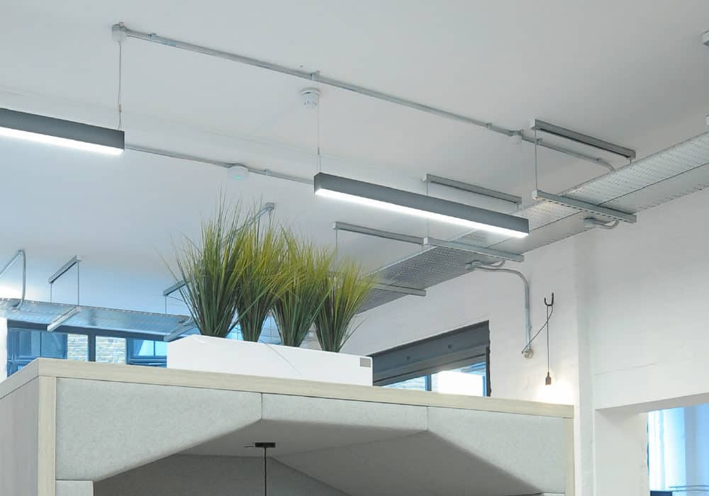 Suspended linear lighting