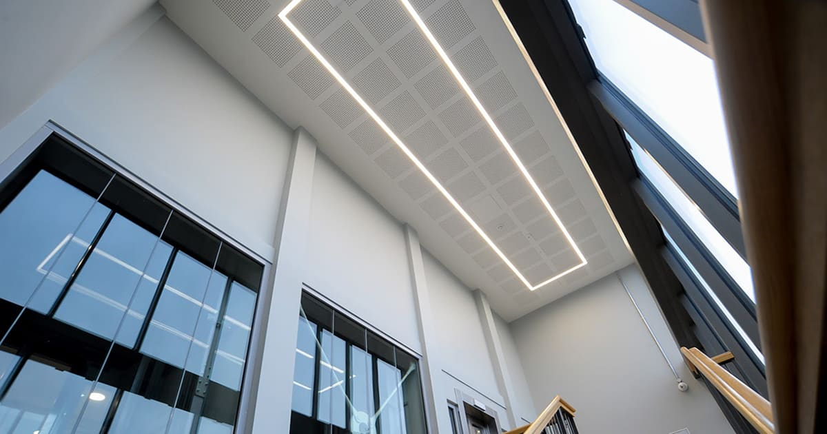 led recessed lighting in high ceiling