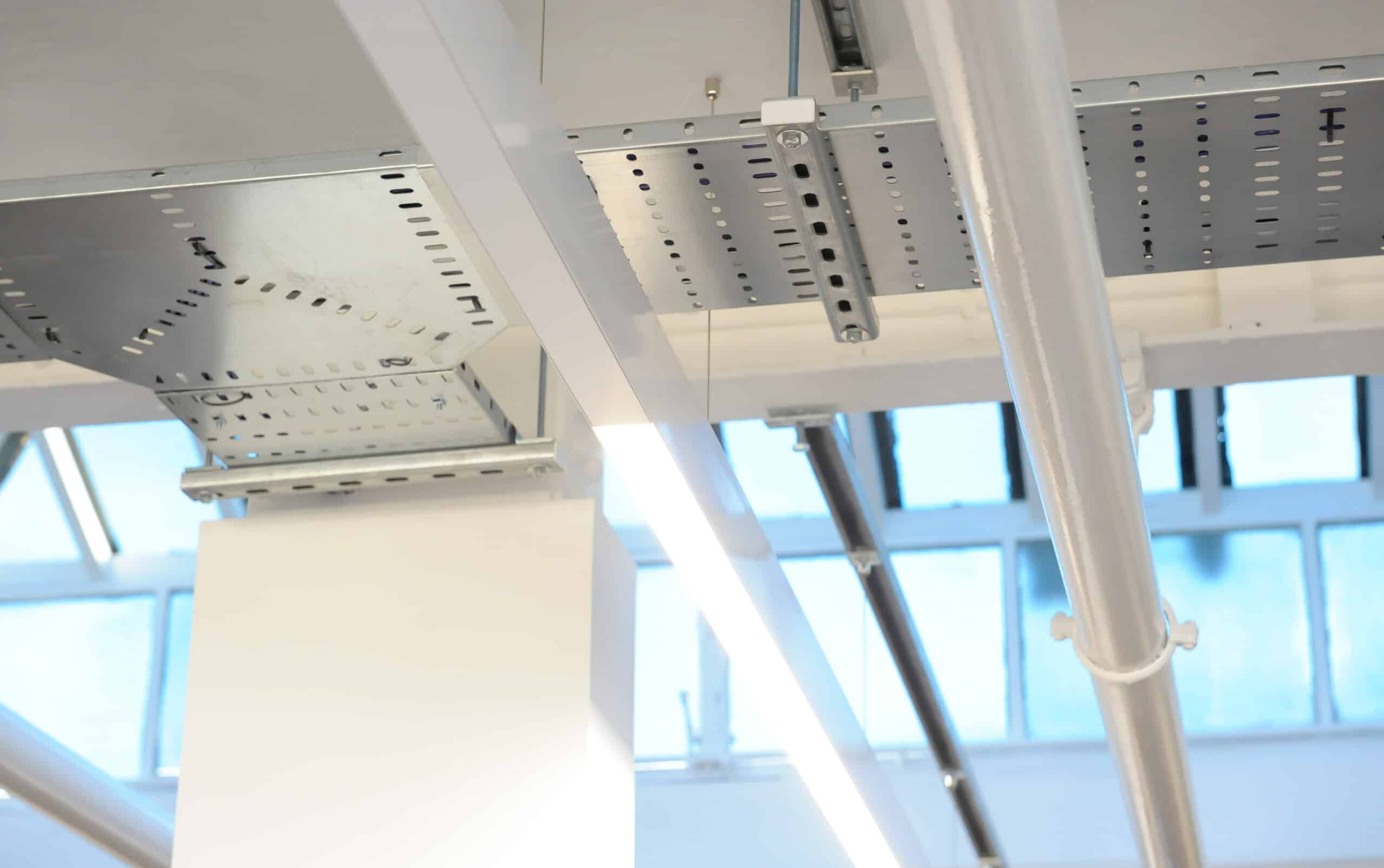 Suspended Linear LED with blank plates